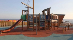 Playground homem do leme