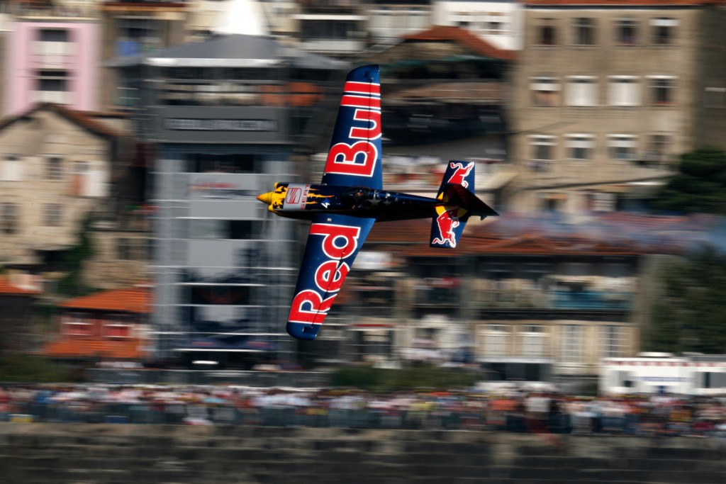 #Oficial_Red_bull_01